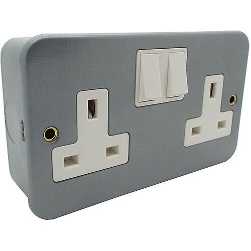 13a 2 Gang Single Pole DP Switched Metal-Clad Socket Outlet