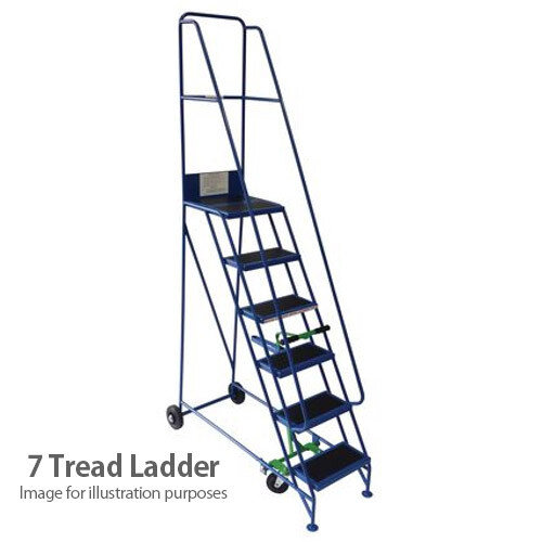 Narrow Aisle Warehouse Step Max Height 2.75M Platform Height 1.75M 7 Treads Capacity 300kg
