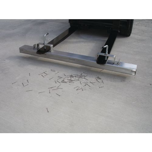 Fork Mounted Magnet 1220mm Wide