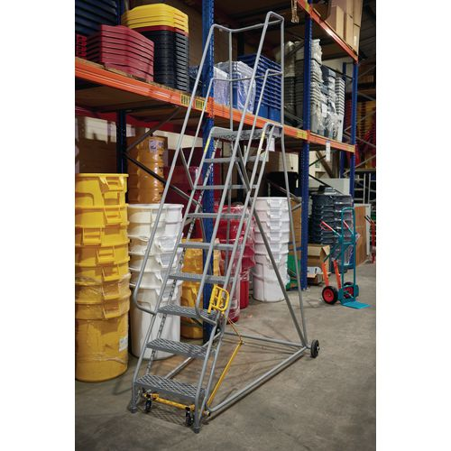 4 Tread Mobile Step With Expanded Mild Steel Mesh Treads Blue