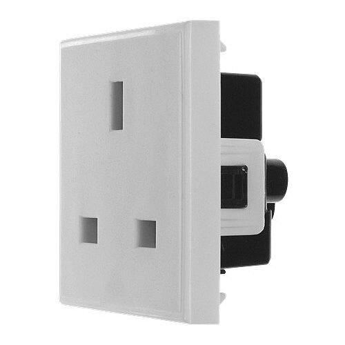 White 13amp 240v Power Socket