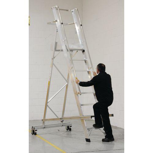 EN131 Mobile Folding 6 Tread Ladder With Platform Max Height 2.6M Platform Height 1.6M 124987