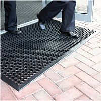 COBA Ramp Entrance Scraper Mat Rubber Hard-wearing 900mm x 1500mm Black Mat. Wheelchair Accessible. Ideal For Protection In Icy Snow Conditions & For Scraping Boots After Outdoor Activity.