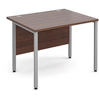 Maestro 25 SL straight desk 1000mm x 800mm - silver H-Frame, walnut top
