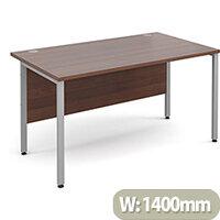 Maestro 25 SL straight desk 1400mm x 800mm - silver H-Frame, walnut top