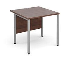 Maestro 25 SL straight desk 800mm x 800mm - silver H-Frame, walnut top