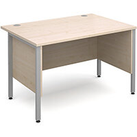 Maestro 25 SL straight desk with side modesty panels 1200mm x 800mm - silver H-Frame, maple top