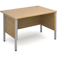 Maestro 25 SL straight desk with side modesty panels 1200mm x 800mm - silver H-Frame, oak top