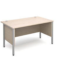 Maestro 25 SL straight desk with side modesty panels 1400mm x 800mm - silver H-Frame, maple top