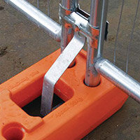 Fencing Express Panel Anti-Lift For Feet